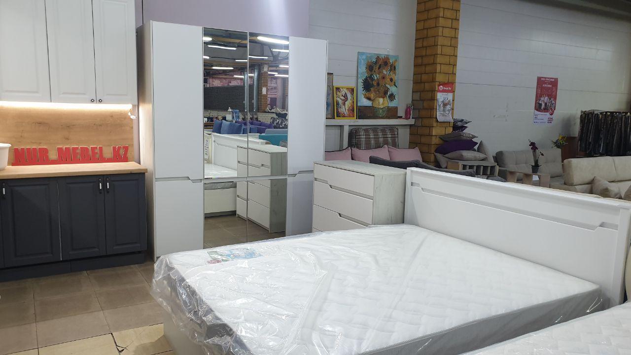 «Наоми» спальный гарнитур (комплект ШК4Д,КР160,Ком)